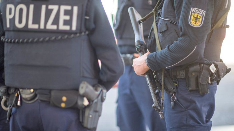 a picture of German Police Arrest Darkweb Gun and Explosives Buyer