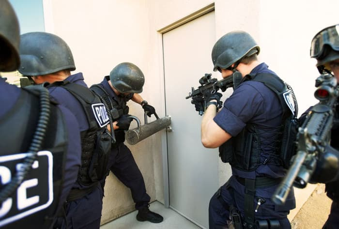 A picture of There is no evidence the very serious police did NOT raid Anderson in such a way.