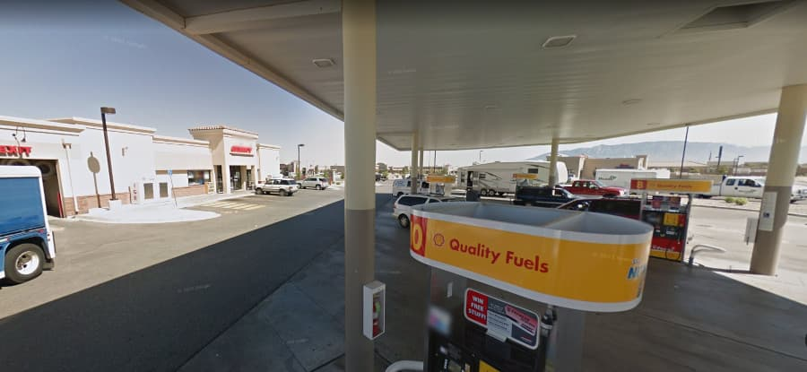 A picture of Apparently one can mail USPS packages at gas stations in New Mexico | Google Maps